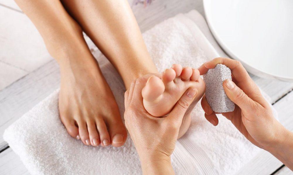 belleza-cuidado-pies-exfoliar-1280x720x80xX